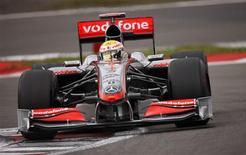 <p>McLaren de Hewis Hamilton, que surpreendeu e liderou treinos livres na Alemanha.REUTERS/Johannes Eisele</p>