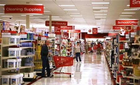 Customers shop at a Target store in Arvada, Colorado February 24, 2009. REUTERS/Rick Wilking