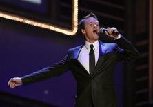 <p>Host Neil Patrick Harris performs the closing number during the 63rd annual Tony Awards ceremony in New York, June 7, 2009. REUTERS/Gary Hershorn</p>