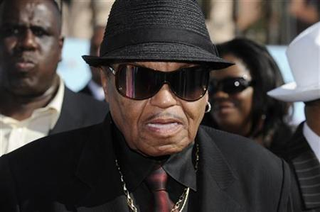 Joe Jackson, the father of deceased pop star Michael Jackson, arrives at the BET Awards '09 in Los Angeles June 28, 2009. REUTERS/Phil McCarten