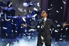 "<p>Singer Maxwell performs ""Pretty Wings"" at the BET Awards '09 in Los Angeles June 28, 2009. REUTERS/Mario Anzuoni</p>"
