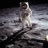 <p>Foto de arquivo mostra chegada do astronauta norte-americano Buzz Aldrin à Lua REUTERS/Neil Armstrong-NASA/Handout</p>