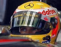 <p>Piloto da McLaren de Fórmula 1 Lewis Hamilton no Grande Prêmio da Hungria em Budapeste. 24/07/2009. REUTERS/Karoly Arvai</p>