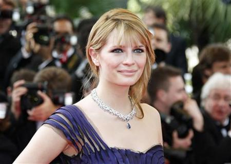 Mischa Barton arrives for the screening of Brazilian director Fernando Meirelles' film entry ''Blindness'' on the opening night of the 61st Cannes Film Festival May 14, 2008. REUTERS/Vincent Kessler