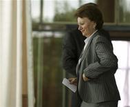 <p>Премьер-министр Зинаида Гречаная голосует на парламентских выборах президента в Кишиневе 3 июня 2009 года. Молдавия проводит в среду досрочные выборы в парламент, который должен избрать нового президента страны. REUTERS/Valery Korchmar</p>