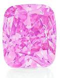 <p>Foto de divulgação sem data de um diamante raro de cinco quilates e cor-de-rosa que será leiloado em Hong Kong pela Christie's. REUTERS/Christie's/Divulgação</p>