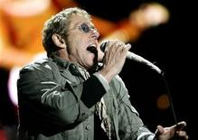 <p>Roger Daltry performs during the Glastonbury music festival in Somerset, south-west England, June 24, 2007. REUTERS/Dylan Martinez</p>