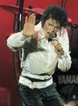 <p>Foto de arquivo de Michael Jackson em Toronto. 05/10/1984. REUTERS/Gary Hershorn/Arquivo</p>