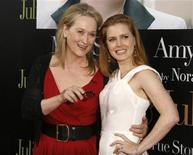 "<p>Actresses Meryl Streep (L) and Amy Adams pose at the premiere of their film ""Julie & Julia"" in Los Angeles, California July 27, 2009. REUTERS/Fred Prouser</p>"