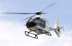<p>Japan's first Hermes helicopter, designed by the French luxury brand in conjunction with Eurocopter, takes off during a media event to announce Mori Building City Air Services' private helicopter service in Tokyo August 7, 2009. REUTERS/Yuriko Nakao</p>