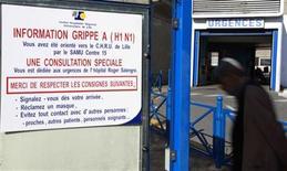 <p>Un cartel de aviso sobre la influeza A H1N1 a las afueras del servicio de emergencias del Hospital CHRU en Lille, Francia, 6 ago 2009. Un cartel de aviso sobre la influeza A H1N1 a las afueras del servicio de emergencias del Hospital CHRU en Lille, Francia, 6 ago 2009 REUTERS/Pascal Rossignol</p>