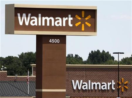 A new Wal-Mart store shows off the company's new logo in Loveland, Colorado July 21, 2009. REUTERS/Rick Wilking