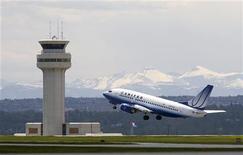 <p>Immagine di archivio di un aereo della United Airlines. REUTERS/Todd Korol (CANADA)</p>