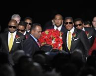 <p>Foto de arquivo dos irmãos de Michael Jackson em seu funeral no Staples Center em Los Angeles. 07/07/2009. REUTERS/Mark J. Terrill</p>