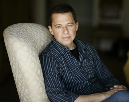 Actor Jon Cryer poses for Reuters in Los Angeles August 9, 2009. REUTERS/Mario Anzuoni