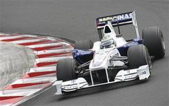 <p>Carro da BMW-Sauber, em foto de arquivo, avalia propostas para continuar na Fórmula 1 REUTERS/Dominic Ebenbichler/Files</p>