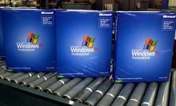 <p>Immagine d'archivio di alcune copie del software Windows Xp di Microsoft.</p>