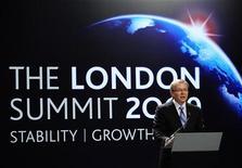 """<p>Австралийский премьер-министр Кевин Радд выступает на саммите G20 в Лондоне 2 апреля 2009 года. Министры финансов и главы центробанков """"Большой двадцатки"""" вряд ли откажутся от решения придерживаться антикризисных мер до тех пор, пока не наметится устойчивый рост мировой экономики, сообщил в четверг источник из """"Большой семерки"""" развитых и развивающихся стран на условиях анонимности. REUTERS/Dylan Martinez</p>"""