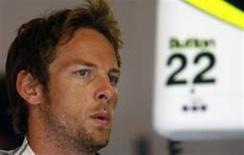 <p>O líder do mundial de Fórmula 1, Jenson Button, que enfrenta neste domingo uma crescente batalha no Grand Prix da Bélgica. O britânico teve o pior desempenho em um treino de classificação da temporada. REUTERS/ Dominic Ebenbichler</p>