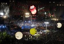 """<p>The Rolling Stones perform during their """"A Bigger Bang"""" free concert on Copacabana Beach in Rio de Janeiro February 18, 2006. REUTERS/Paulo Whitaker</p>"""