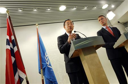 United Nation Secretary-General Ban Ki-moon (L) speaks during a joint news conference with Norway's Prime Minister Jens Stoltenberg after their talks in Oslo August 31, 2009. Ban arrived in Norway late Sunday for a three days official visit. REUTERS/Erlend Aas/Scanpix