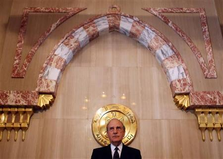 U.S. envoy to the Middle East George Mitchell talks during a news conference after his meeting with Egypt's President Hosni Mubarak at the presidential palace in Cairo July 27, 2009. REUTERS/Amr Abdallah Dalsh