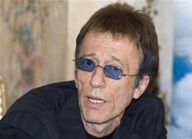 <p>L'ex cantante dei Bee Gees Robin Gibb . REUTERS/Alexander Natruskin (RUSSIA)</p>