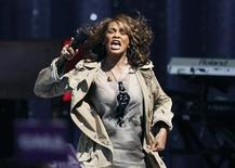 <p>Singer Whitney Houston performs during a taping of Good Morning America on ABC in New York September 1, 2009. REUTERS/Lucas Jackson</p>