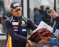 <p>Il pilota brasiliano di Formula Uno Nelson Piquet nel giugno scorso a Silverstone. REUTERS/Stephen Hird</p>