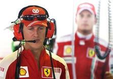 <p>L'ex pilota di F1 Michael Schumacher oggi a Monza alla prima sessione di prove sul circuito di Monza. REUTERS/Max Rossi</p>