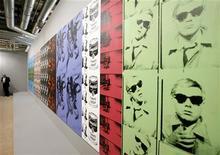 <p>Rubati a Los Angeles quadri di Andy Warhol da milioni di dollari. REUTERS/Arnd Wiegmann</p>