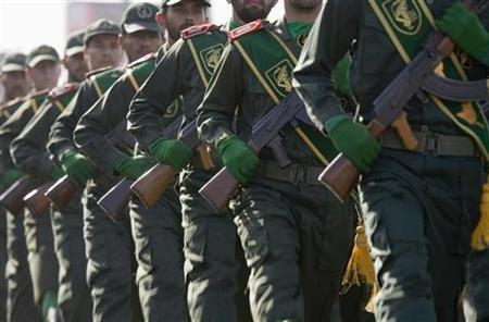 Members of Iran's Revolutionary Guards participate in a military parade to commemorate the anniversary of the start of the 1980-1988 Iran-Iraq war, in Tehran September 21, 2008. REUTERS/Caren Firouz