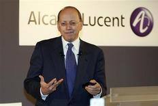 """<p>Le directeur général d'Alcatel-Lucent, Ben Verwaayen, déclare dans l'édition de vendredi de La Tribune qu'""""aucune fusion ou acquisition, aucune recherche d'aide extérieure n'est à l'ordre du jour"""" pour son groupe. /Photo d'archives/REUTERS/Charles Platiau</p>"""