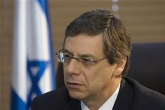 <p>Заместитель министра иностранных дел Израиля Дэнни Аялон во время интервью Рейтер в Иерусалиме 12 августа 2009 года. Израиль не отказался от возможности военного ответа на ядерную программу Тегерана, сообщил высокопоставленный чиновник в понедельник. REUTERS/Ronen Zvulun</p>