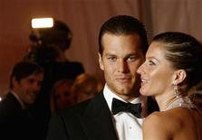 "<p>Brazilian supermodel Gisele Bundchen and her boyfriend, New England Patriots quarterback Tom Brady, arrive for the Metropolitan Museum of Art Costume Institute Gala, ""Superheroes: Fashion and Fantasy"" in New York May 5, 2008. REUTERS/Lucas Jackson</p>"
