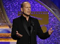 <p>Actor Bruce Willis gestures during the 22nd American Cinematheque Award ceremony in Beverly Hills, California October 12, 2007. REUTERS/Mario Anzuoni</p>