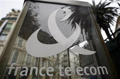 <p>France Telecom: troppe e-mail aumentano stress dei dipendenti. REUTERS/Eric Gaillard</p>