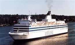 """<p>Архивное фото парома """"Эстония"""", затонувшего к юго-западу от побережья Финляндии 28 сентября 1994 года. Погибли 852 человека. Это стало самой крупной катастрофой на море в мирное время для Европы. REUTERS/HO</p>"""
