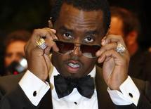 """<p>Foto de archivo de la estrella hip hop y magnate de la moda Sean """"Diddy"""" Combs a su llegada al estreno de la cinta """"Two Lovers"""", en el Festival de Cine de Cannes, Francia, 19 mayo 2008. La estrella hip hop y magnate de la moda Sean """"Diddy"""" Combs firmó un acuerdo con el sello Interscope Geffen A&M, pacto que incluye sus próximos discos y crea una nueva empresa conjunta junto al sello de Combs, Bad Boy. REUTERS/Eric Gaillard</p>"""