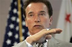 <p>California Governor Arnold Schwarzenegger speaks during a news conference in San Francisco, California July 3, 2009. REUTERS/Robert Galbraith</p>