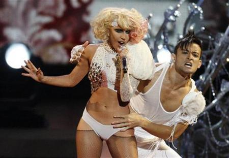 Lady Gaga performs ''Paparazzi'' at the 2009 MTV Video Music Awards in New York, September 13, 2009. REUTERS/Gary Hershorn