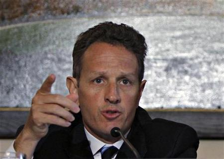 U.S. Treasury Secretary Tim Geithner speaks during a discussion to combat mortgage modification fraud in the housing market at a meeting at the Treasury Department in Washington, September 17, 2009. REUTERS/Hyungwon Kang