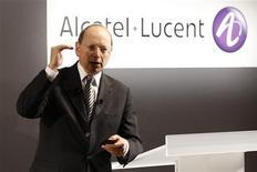 """<p>Pour Ben Verwaayen, directeur général d'Alcatel-Lucent, les fusions ne sont pas la solution aux problèmes de l'équipementier télécoms franco-américain. """"Je l'ai déjà dit à maintes reprises. Les M&A ne sont pas un moyen de sortir de nos problèmes"""", a indiqué Ben Verwaayen au cours du forum ETRE sur les technologies. /Photo prise le 4 février 2009/REUTERS/Benoît Tessier</p>"""