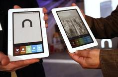 <p>Nook, il nuovo e-reader di Barnes & Noble, presentato ieri a New York. REUTERS/Shannon Stapleton</p>