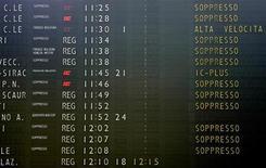 <p>Sciopero 23/10, cancellati alcuni voli, treni regolari. REUTERS/Max Rossi</p>