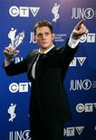 <p>Singer Michael Buble poses with his Juno Fan Choice Award at the Juno Awards, the Canadian Music Awards, in Calgary, Alberta, April 6, 2008. REUTERS/Todd Korol</p>