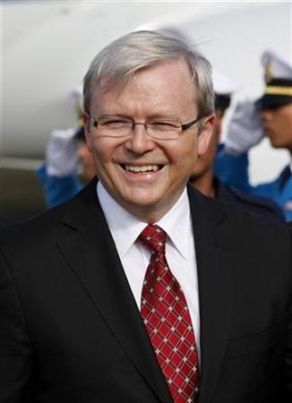 Australia's Prime Minister Kevin Rudd arrives at Hua Hin airport for the 15th ASEAN Summit at the resort city of Hua Hin, Prachuap Khiri Khan province October 24, 2009. REUTERS/Sukree Sukplang