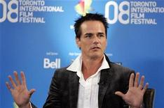 <p>Director Paul Gross gestures during the news conference for the film 'Passchendaele' at the 33rd Toronto International Film Festival in this September 5, 2008 file photo. REUTERS/ Mike Cassese/Files</p>