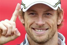 <p>Campeão, Jenson Button, em foto de arquivo, espera corrida sem stress para fechar o ano. REUTERS/Andrew Winning</p>