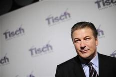 <p>Actor Alec Baldwin arrives at the Tisch School of the Arts awards gala in New York November 2, 2009. REUTERS/Stephen Chernin</p>